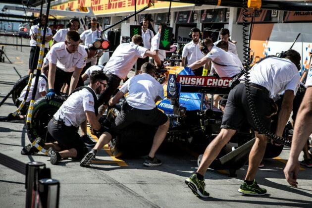 McLaren pitstop