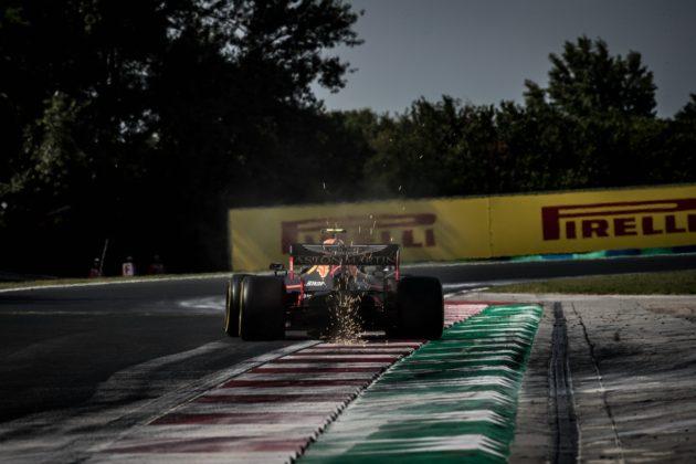 sprkas, Red Bull Racing, Aston Martin,