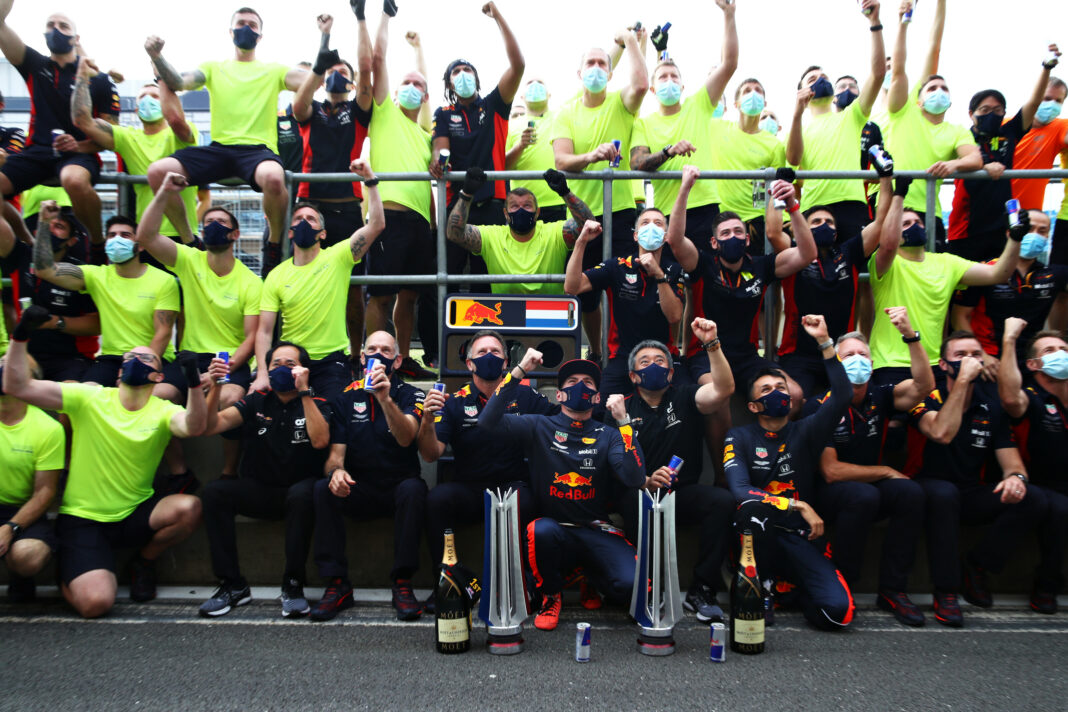 Max Verstappen, Alexander Albon, Christian Horner, Red Bull Racing, racingline