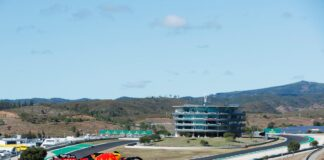 Alexander Albon, Red Bull, Portimao, Portugália, racingline.hu