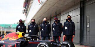 Sergio Pérez, Max Verstappen, Christian Horner, Adrian Newey, Alex Albon, Red Bull
