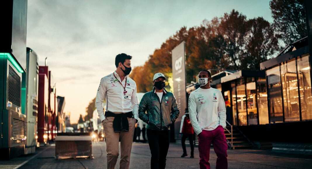 Toto Wolff, Valtteri Bottas, Lewis Hamilton, Mercedes, racingline.hu