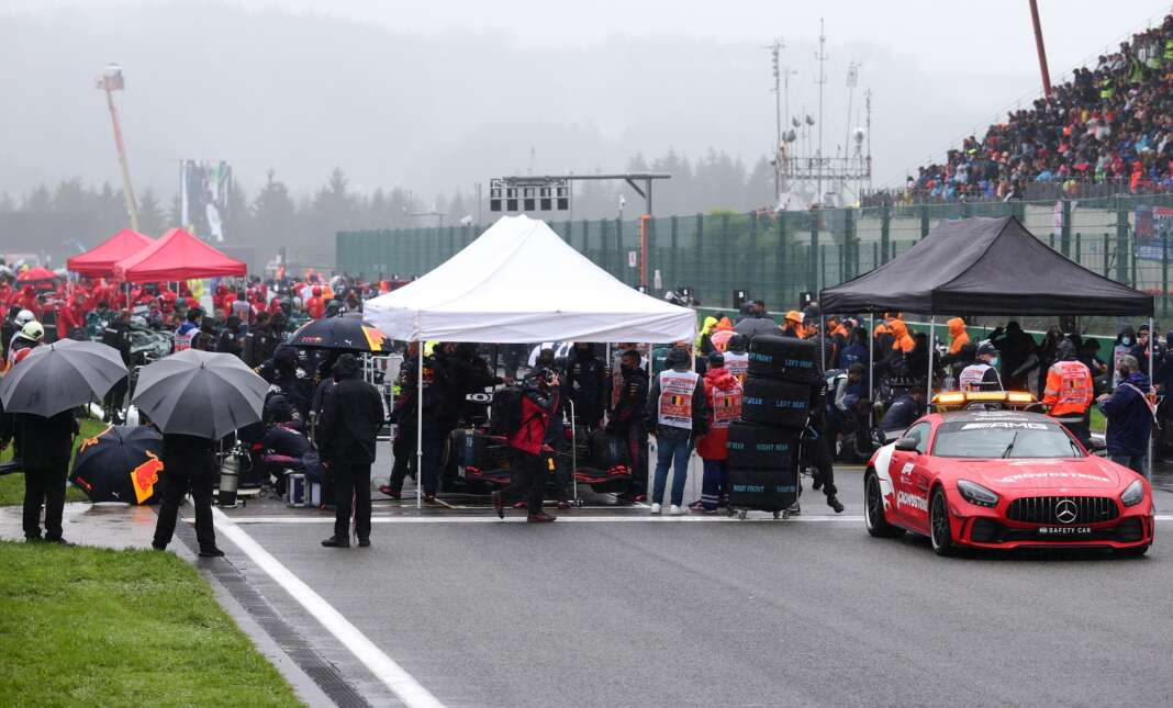 Red Bull, F1, Forma-1, Safety Car, Belga Nagydíj, FIA, Masi