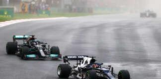 Yuki Tsunoda, Lewis Hamilton